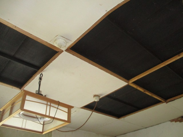 旧・台所を客室へ改装中。